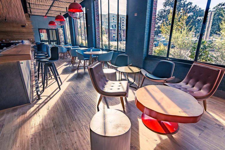 First floor bar at Vidrio