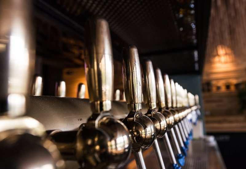 beer and wine tap at vidrio